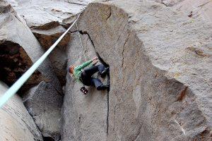 800px-Crack_climbing_layback_left